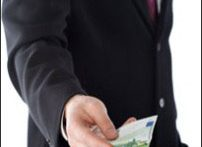 Bribery (iStock)