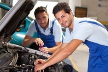 Auto workers (iStock)