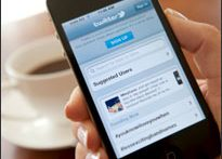 iPhone showing Twitter (iStock)