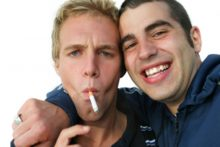 Friends smoking (iStock)