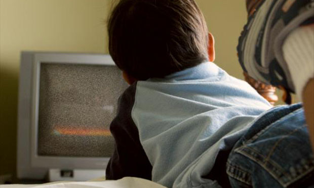 Child and television (iStock)