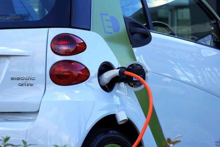 Hybrid car plug in charger