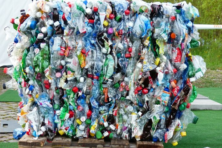 Plastic bottle recycling