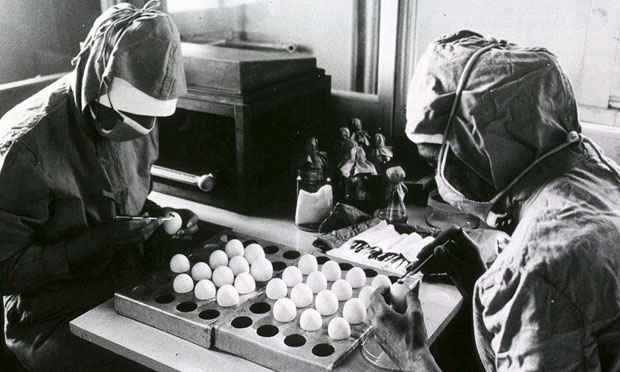 Preparation of measles vaccines (D. Henrioud, WHO)