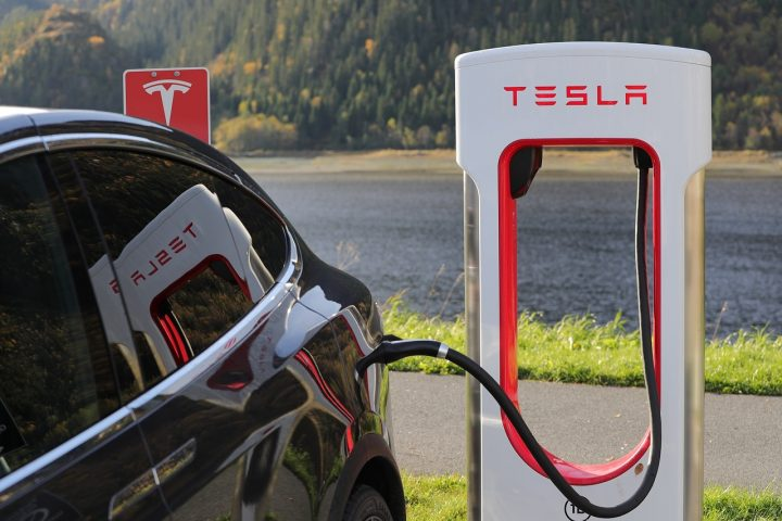 Electric Vehicles Battery Technology And Renewable Energy Research Roundup Tesla Charging Station