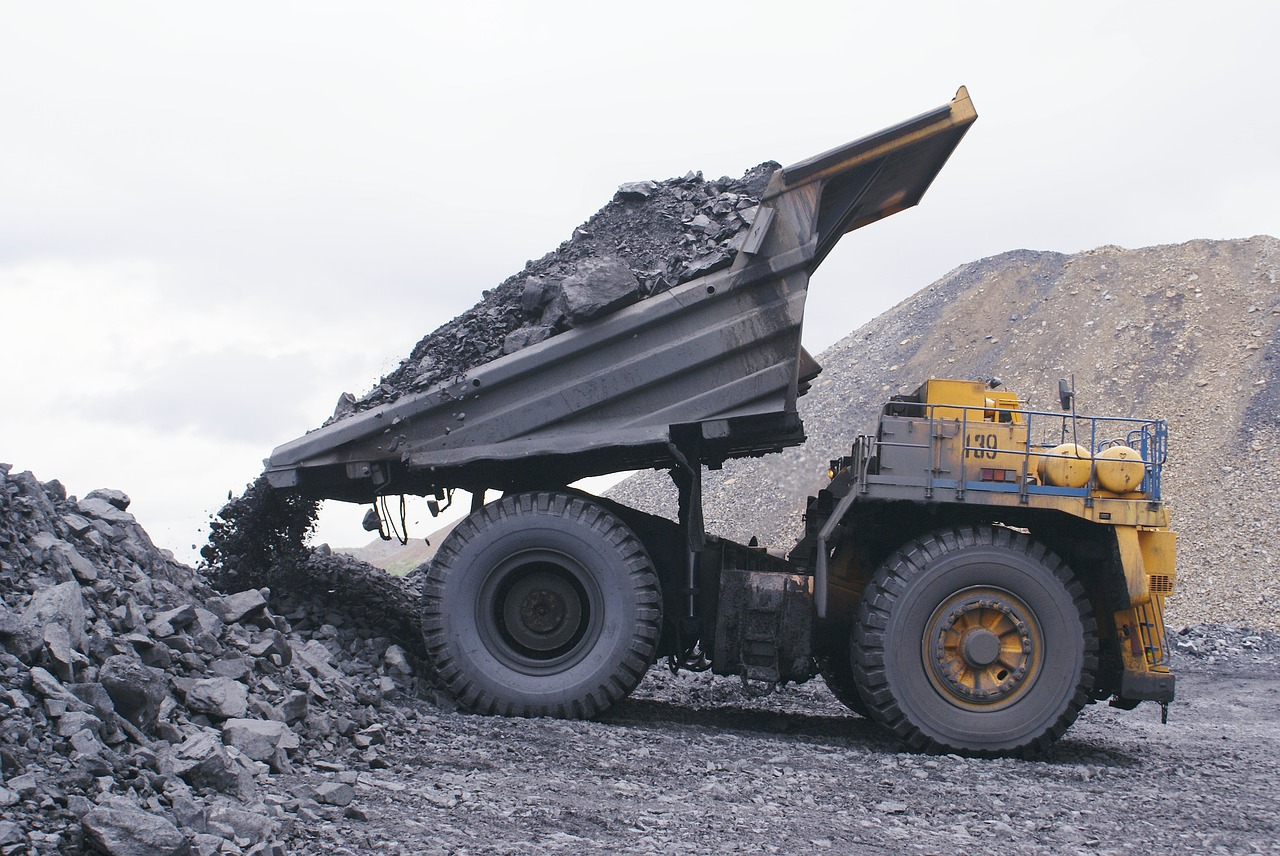 quantifying the local health effects of transporting coal