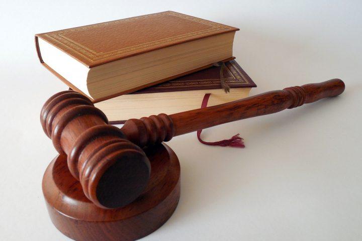Judge's gavel and books