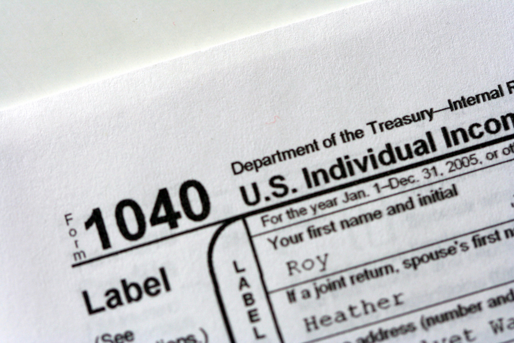 Income tax returns: IRS filing costs keep rising