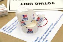 Spanish-language voter election stickers