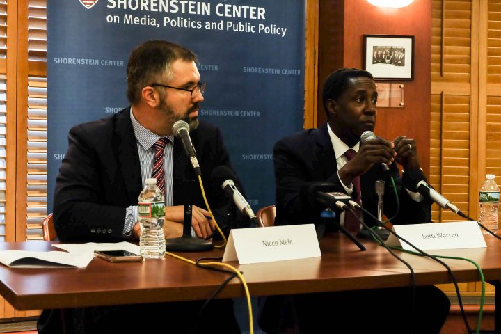 Setti Warren, right, speaks while Shorenstein Center Director Nicco Mele, left, moderates the discussion.