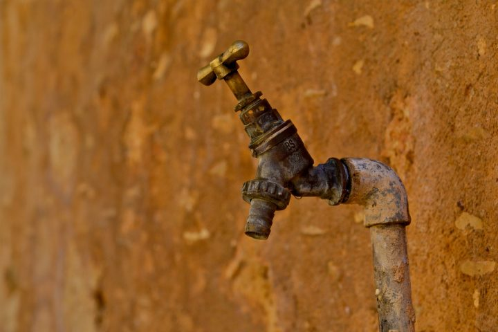 Lead in drinking water: Key facts and reporting tips
