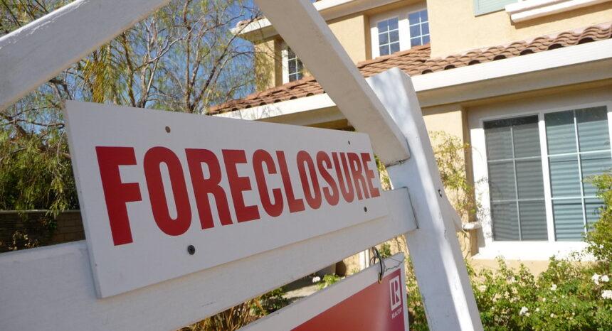 home mortgage foreclosure Florida Hispanics