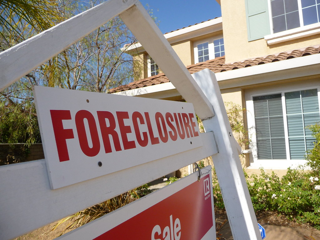 Drop in voter turnout among Hispanic Democrats linked to home foreclosures