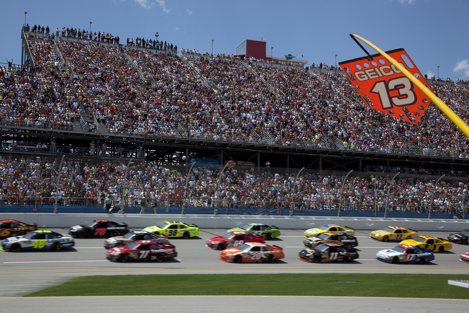 Covering NASCAR's ties to the Confederate flag and conservative politics: 5 tips for journalists